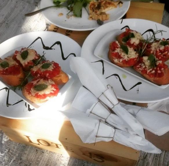 Brusquetas servidas no Wine Garden