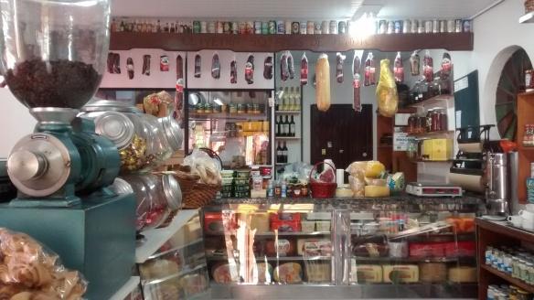 Fiambreria Oliveira é um armazém das antigas especializado em frios. Foto: Kelly Pelisser