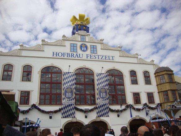 Essa é uma das tendas de cervejarias da Oktoberfest de Munique, na Alemanha. Foto: Kelly Pelisser