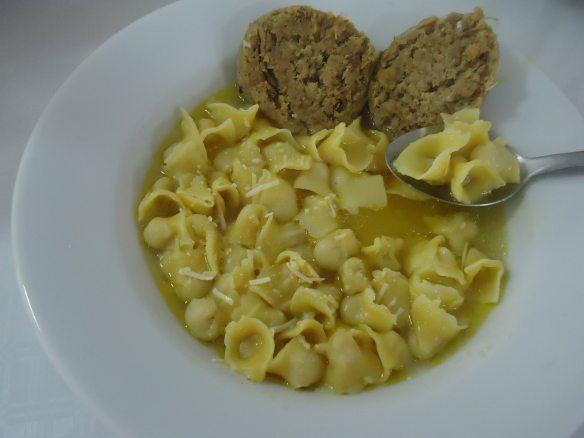 Vai ter sopa de capeletti sem glúten. Foto: Dolci Vita, divulgação