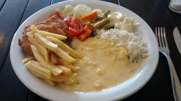 Almoço é buffet a quilo de segunda a sábado no Bar do Luizinho. Foto: Kelly Pelisser