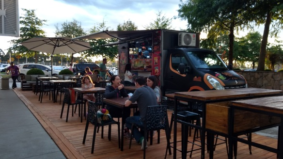 Food truck e o lounge bem querido ficam no espaço Life Style do Shopping Iguatemi Caxias. Foto: Kelly Pelisser