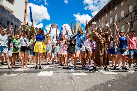 Bloco da Velha é super tradicional no domingo. Foto: Gene Toscan, divulgação